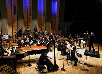 L'Ensemble intercontemporain dirigé par Matthias Pintscher © DR