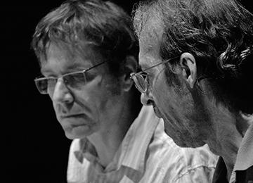 Emmanuel                                                            Nunes et Éric                                                            Daubresse dans                                                            un studio à                                                            l'Ircam © Jean                                                            Radel