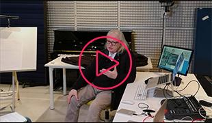 Interview                                                            de Philippe                                                            Manoury dans                                                            les studios de                                                            l'Ircam