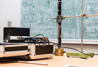 Dans le laboratoire de l'équipe S3AM dirigé par Thomas Hélie, à l'Ircam © Philippe Barbosa, 2018