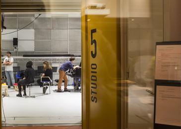 Entrée du studio 5 lors des Ateliers du Forum © Sébastien Calvet